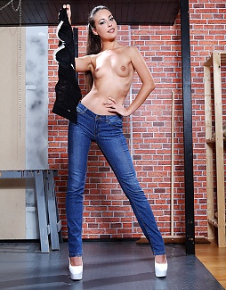 Hot in Jeans and Heels!